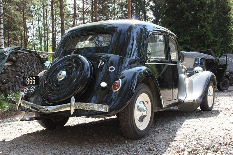 Entisöity museoauto Citroen 1930