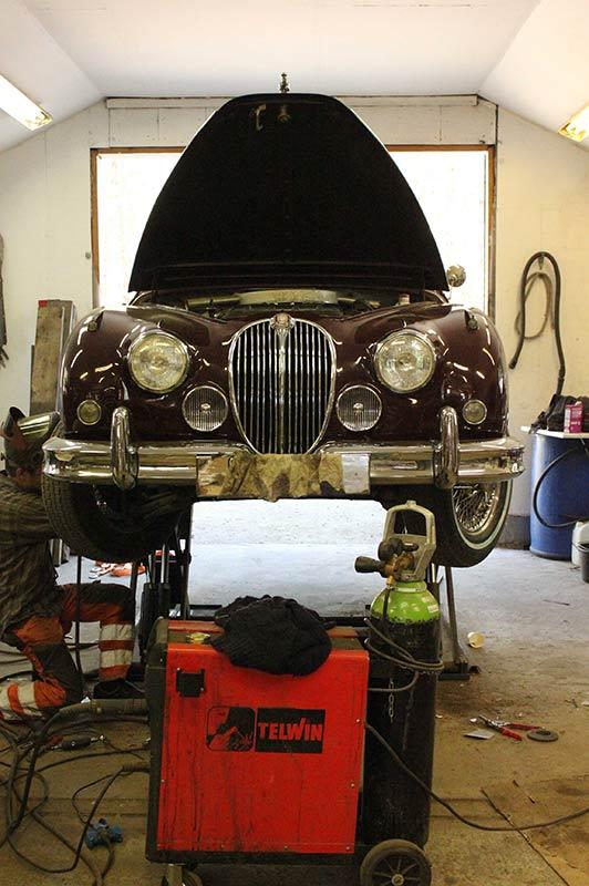 Vanhan Jaguarin entisöinti